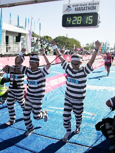 125236-gold-coast-marathon-convict-costumes