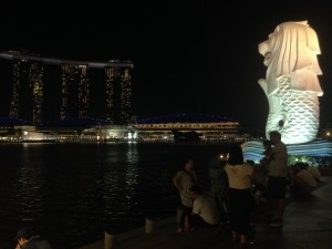 Lot of people chilling by the Merlion