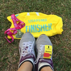 Finisher's singlet and medal (10km)