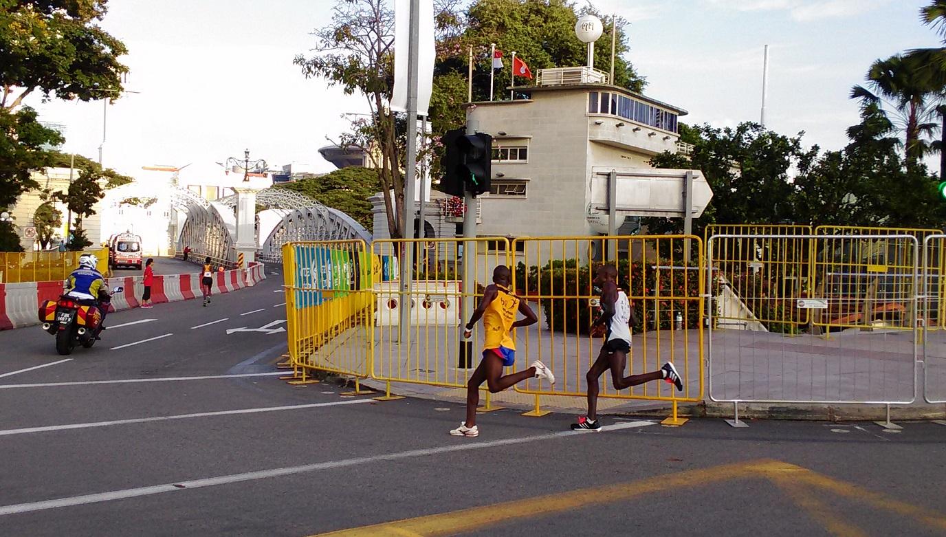10km leaders stride for stride.