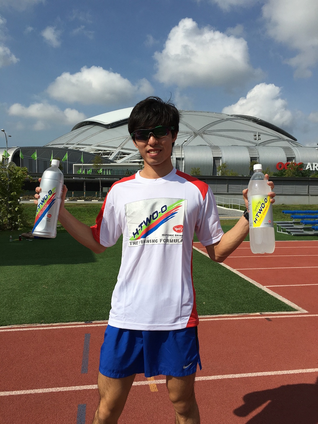 Singapore national marathoner Soh Rui Yong will be the new face to front popular isotonic drink H-TWO-O/Yeo's 2016 ad campaign for local leading food and beverage company, YHS.