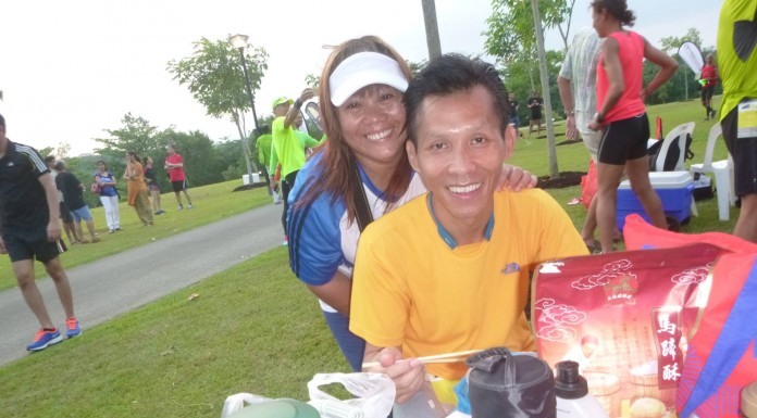 with Lily. consuming dinner before flag-off. photo credits : Tan Kim Lai