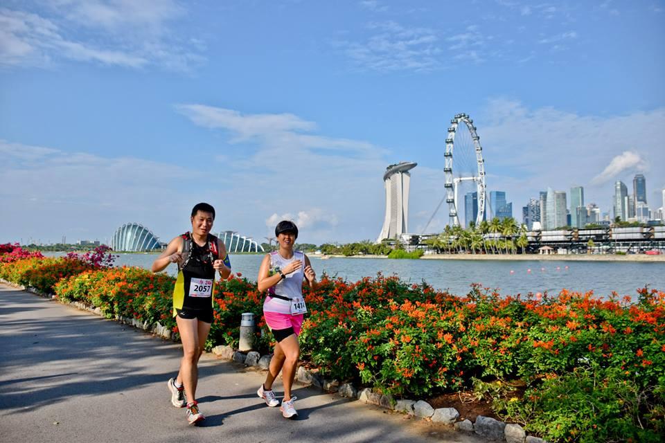 Runners at Compressport TRI-Factor Run 2015