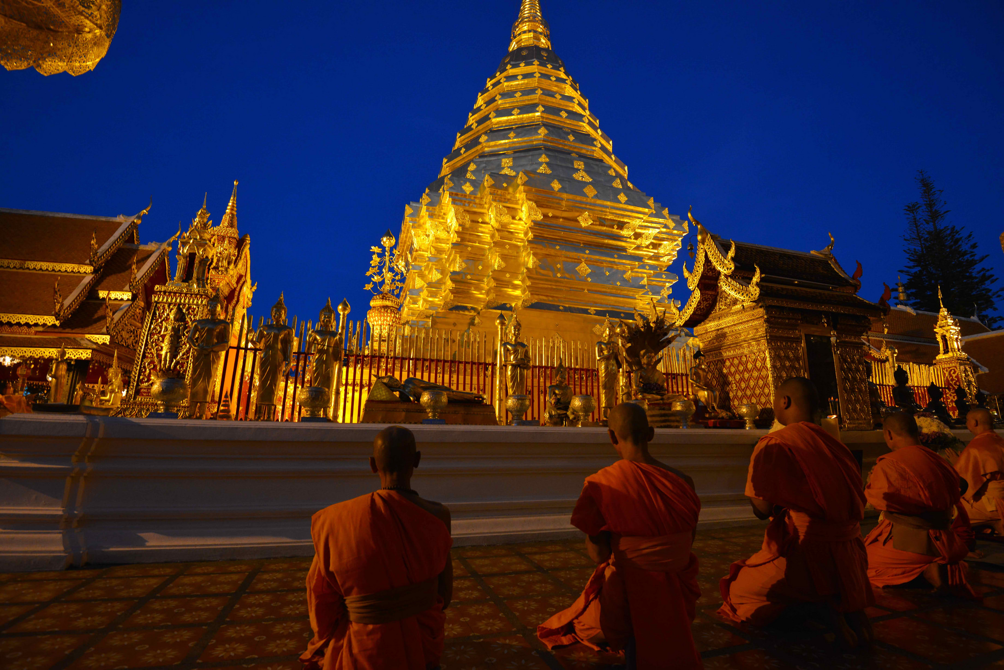 wat-phra-that-doi-suthep-thousandwonders-net