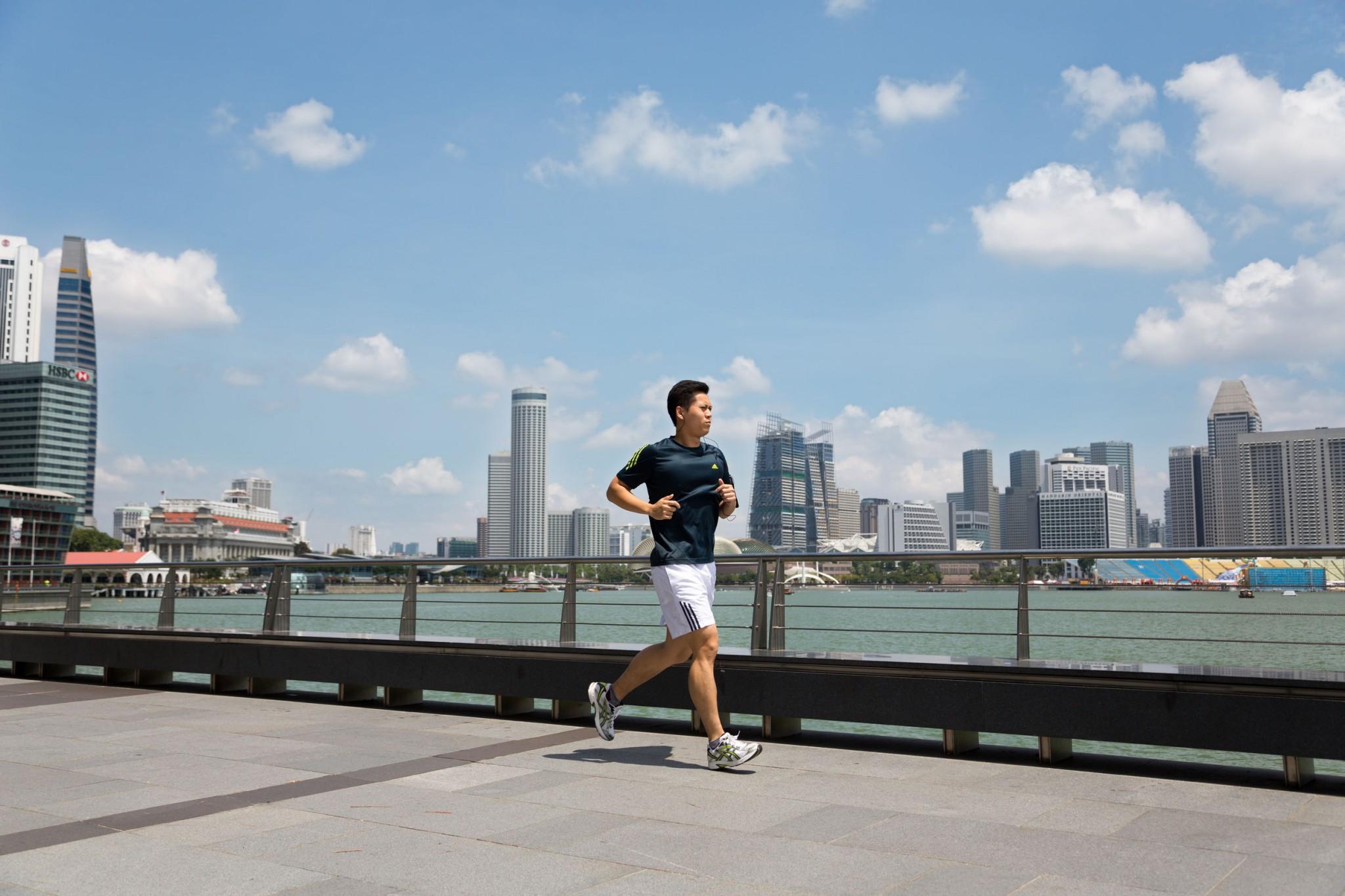 runner singapore bay