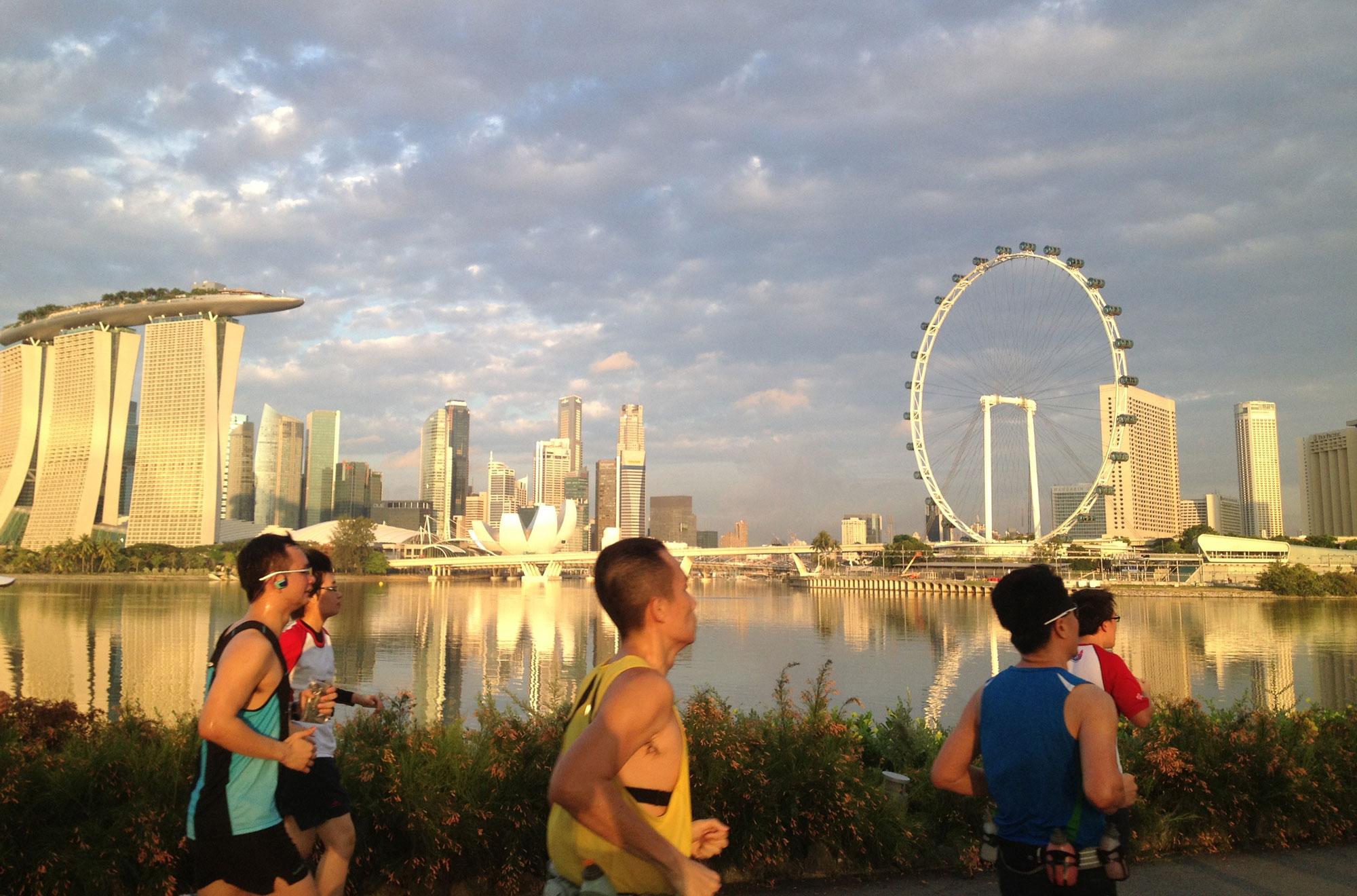 runners-singapore-sunrise