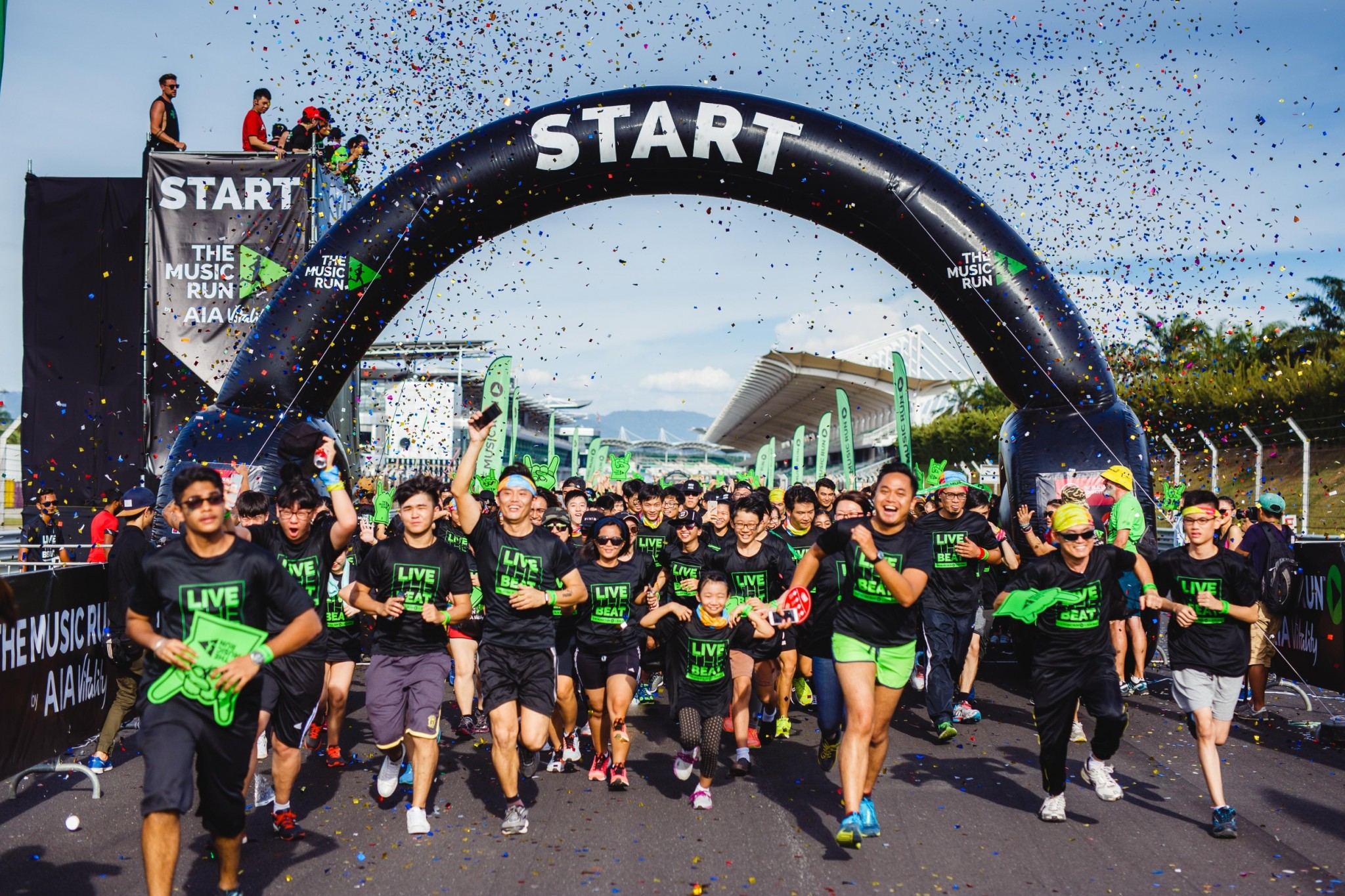 20000-enthusiastic-music-runners-flagged-off-at-the-sepang-international-circuit
