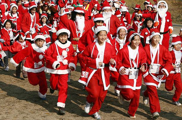 Christmas_santa_claus_marathon_kyoto_japan