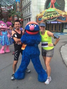 Quick pic with Grover as they race through Universal Studios.