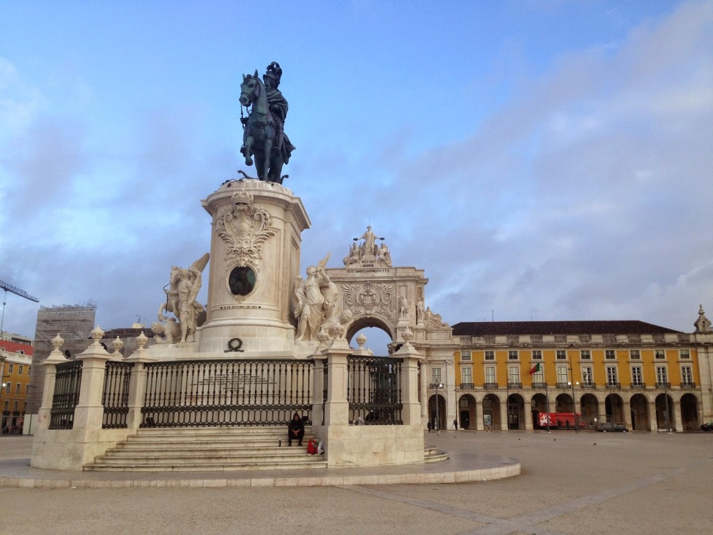 Praça do Comércio (Commerce Sq). Surrounded by government custom and naval offices.