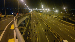 Runners on the Skyway.