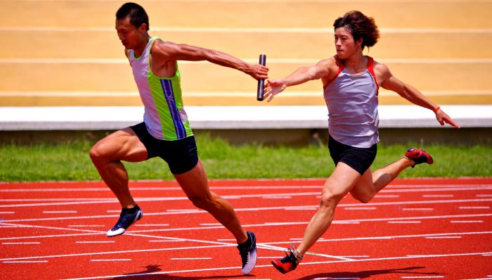 teamwork-relay-race