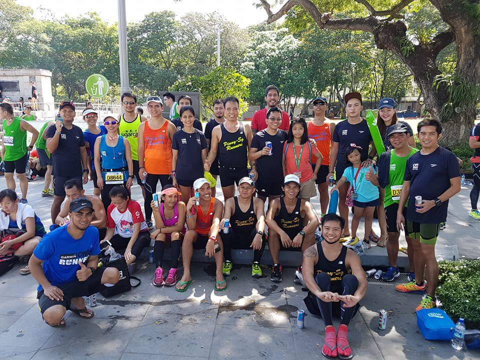 Our extended family. Photo Credit: Pinoy-Sg Runners