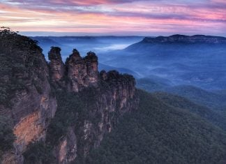 The Three Sisters rock formation at Blue Mountains, New South Wales, Australia. Image: Terry Tan